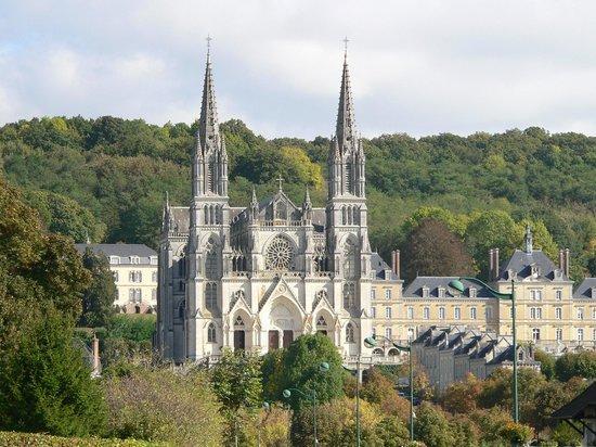 Site du sanctuaire de Montligeon Basilique_notre_dame_de_montligeon